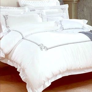 Other - Bedding duvet cover set
